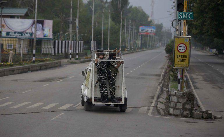 Abogada: India promete aliviar bloqueo de Cachemira en días