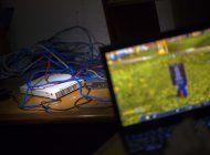 dependencia oficial cubana absorbe red callejera de juegos