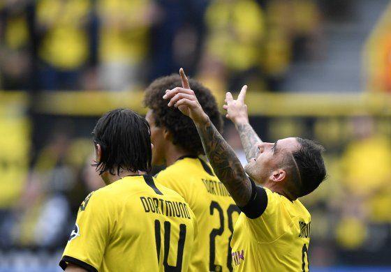 Dortmund arranca campaña goleando 5-1 a Augsburg