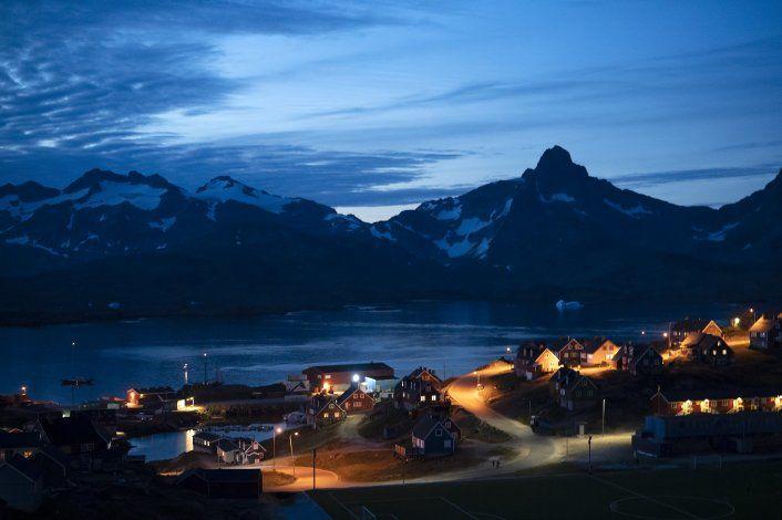 Trump compara interés por Groenlandia con bienes raíces