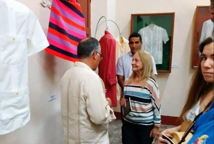 Viuda de Fidel Castro reaparece en la prensa oficial cubana