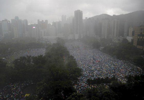 China critica a Taiwán por ofrecer asilo a hongkoneses