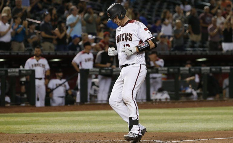 Diamondbacks anotan 3 en el octavo y superan a Rockies 5-3