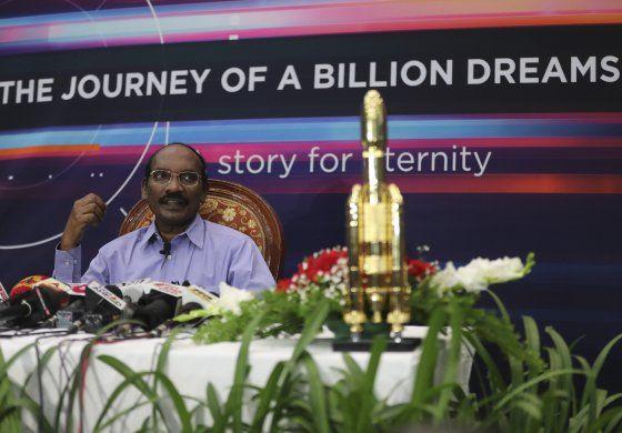Nave india orbita alrededor de Luna a un mes de su despegue
