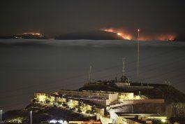 espana: el tiempo da una tregua a incendio en islas canarias
