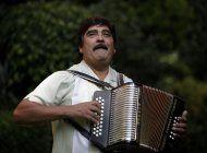 muere el acordeonista mexicano celso pina