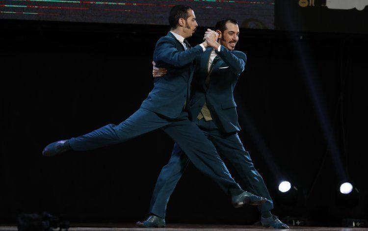 Pareja argentina debutante gana el mundial de Tango