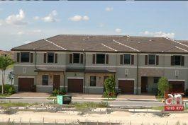 residentes de un nuevo vecindario en hialeah piden una solucion al grave problema del trafico