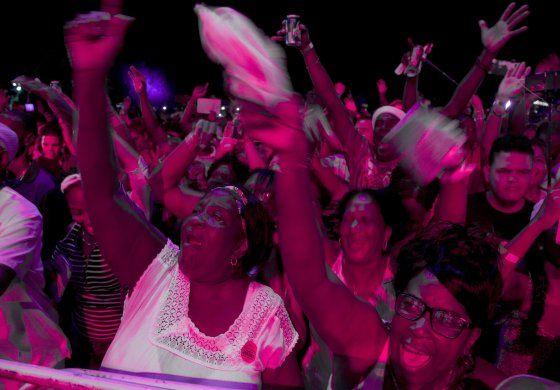 Festival en Varadero hace bailar a multitudes
