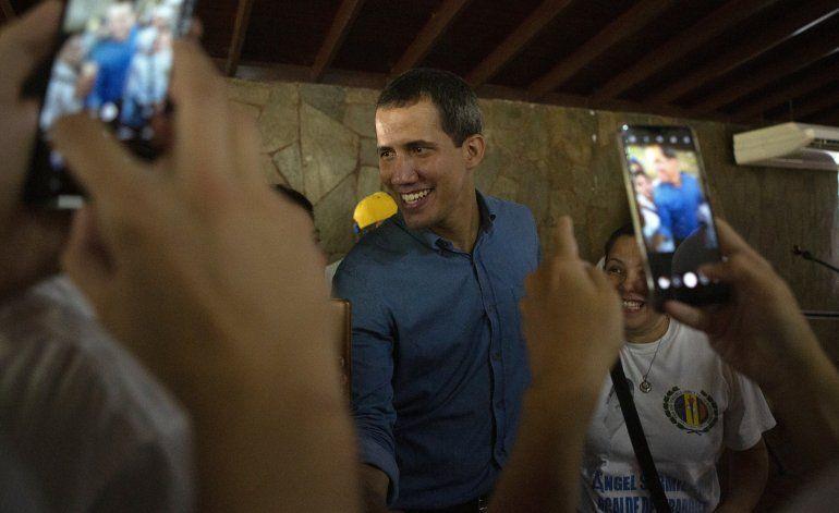 Venezuela: Guaidó permitirá satélites para ubicar guerrilla