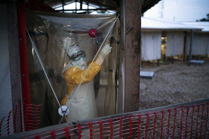 Estudio: Sobrevivientes de ébola tienen más riesgo de morir