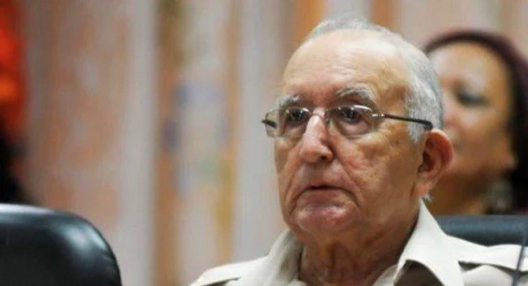 Régimen destituye al general Ulises Rosales del Toro