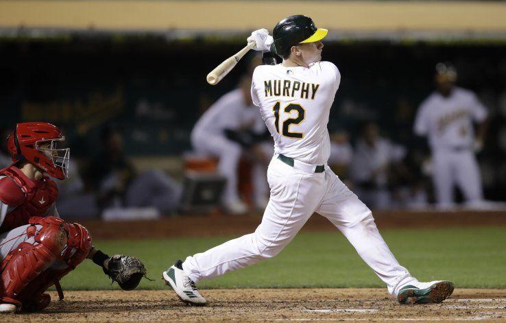 Murphy jonronea en 1er hit en MLB, Oakland gana a Angelinos