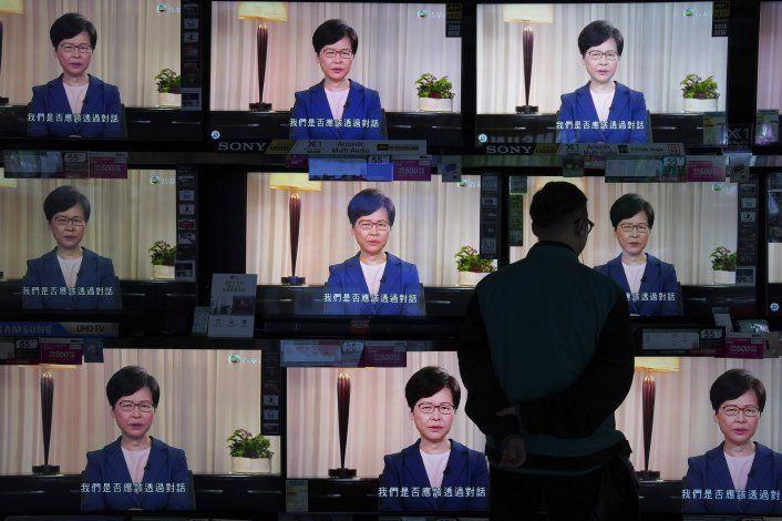 Lam: Retiro de ley fue iniciativa suya, no orden de Beijing