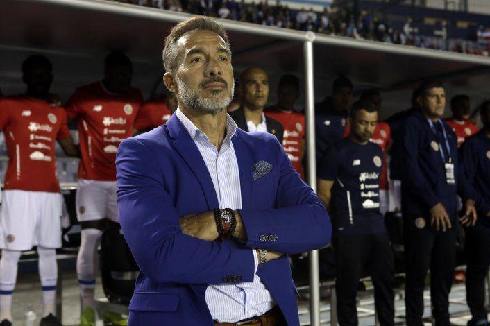 Costa Rica separa a Matosas y no dirigirá ante Uruguay