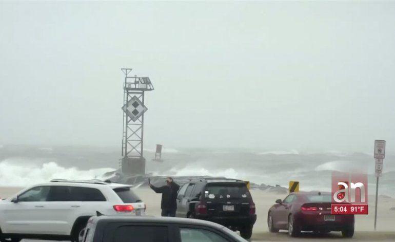 El huracán Dorian tocó tierra en la madrugada de este viernes en Cabo Hatteras, una isla frente a la costa de Carolina del Norte