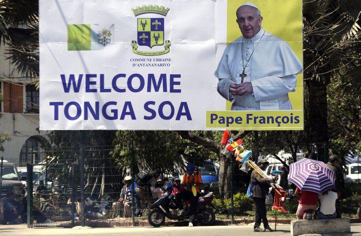 Papa denuncia la explotación de los recursos de Madagascar