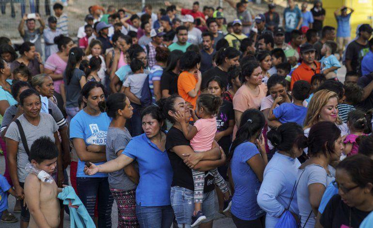EEUU obliga a salvadoreña embarazada a esperar en México