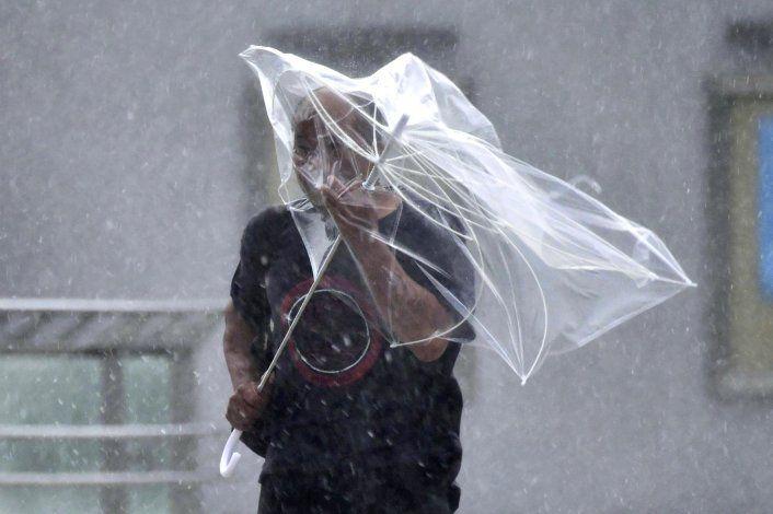 El tifón Faxai afecta a transportes en Tokio, deja un muerto
