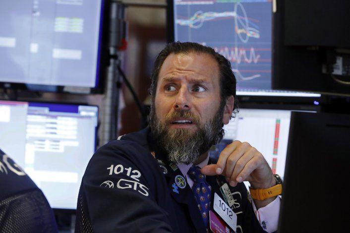 Wall Street cierra con resultados mixtos