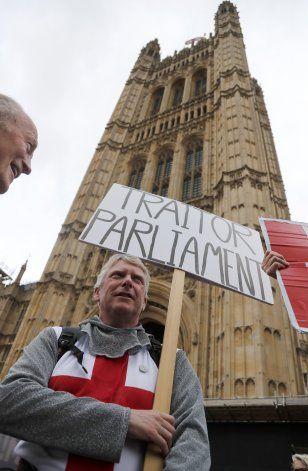 Gran Bretaña suspende Parlamento por 5 semanas