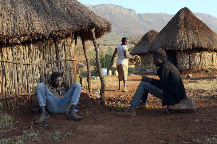 Empleados de Mugabe acongojados por muerte de su viejo jefe