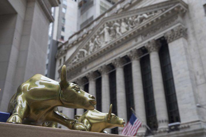 Wall Street cierra mayormente en alza