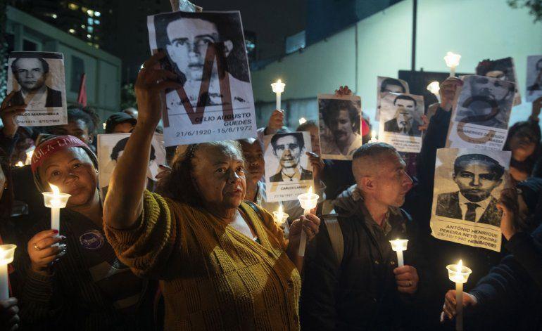 Brasil: Hijo del presidente Bolsonaro cuestiona democracia