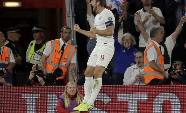 Inglaterra sigue anotando en eliminatoria de la Euro