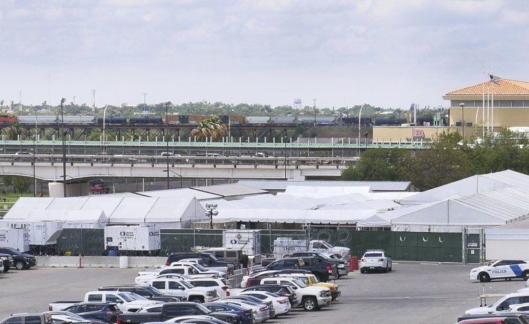 EEUU abrirá corte en carpa para solicitantes de asilo