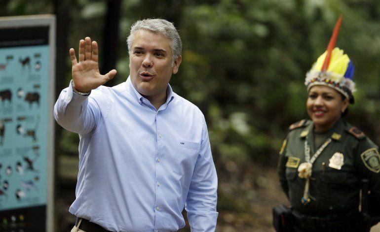 Colombia amenaza con acusar a Cuba de promotor de terrorismo