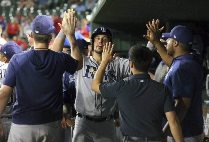 Rays se imponen a Rangers en 11 innings