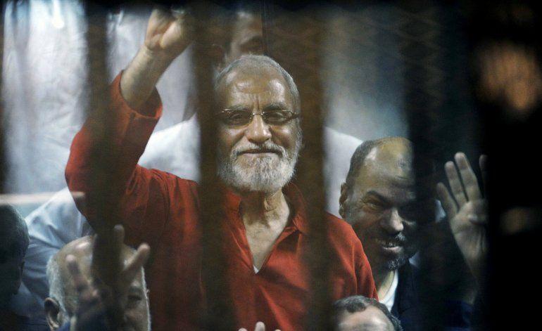 Dan cadena perpetua a líderes de Hermandad Musulmana