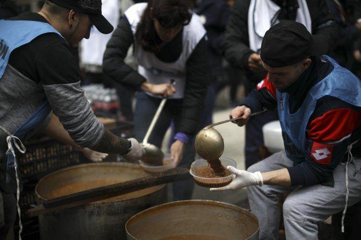 Argentina: instalan ollas de comida en reclamo de más ayuda