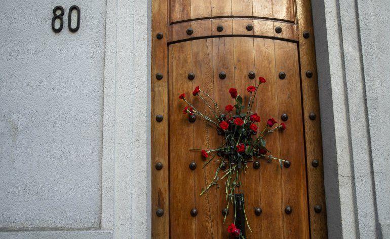 Chile: claveles rojos recuerdan el golpe militar de 1973