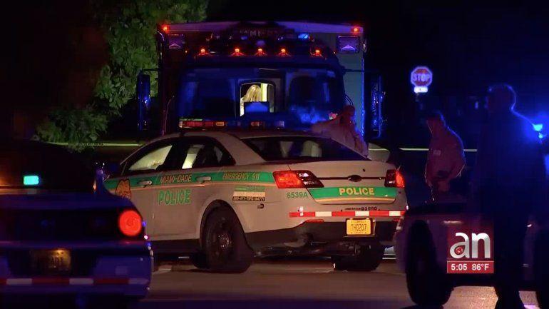 Tres policías de Miami-Dade resultaron heridos durante un tiroteo en una vivienda de Kendall