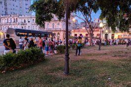 caos en la habana:  amanece sin transporte publico