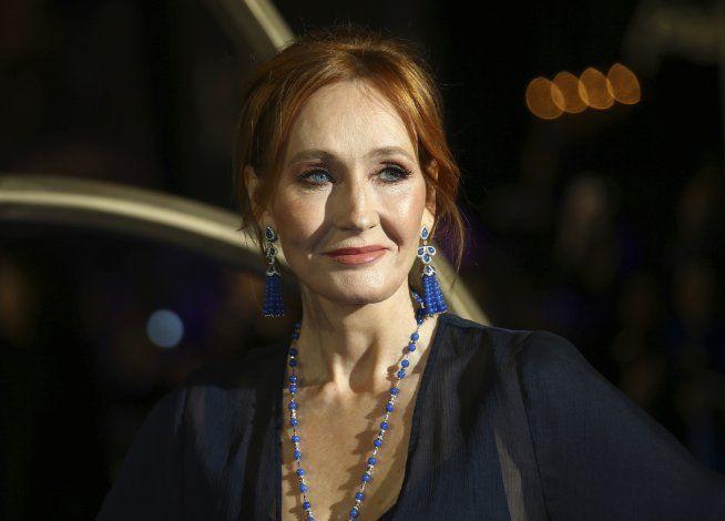 JK Rowling hace enorme donativo a investigación de EM