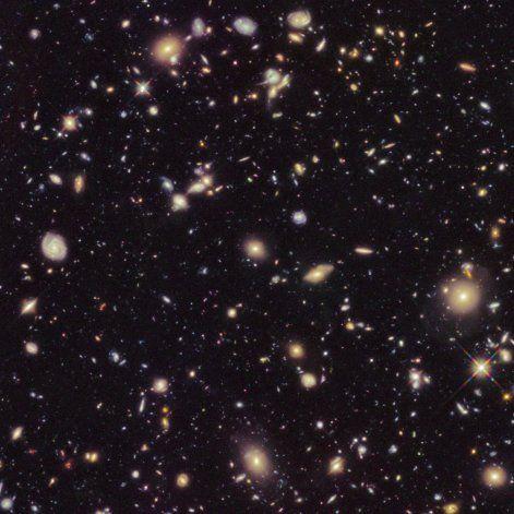 Estudio reduce 2.000 millones de años a la edad del universo