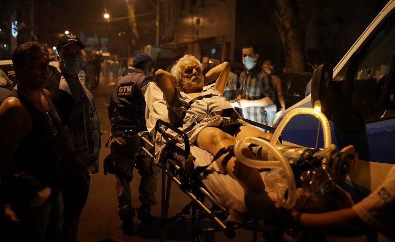 Incendio en hospital de Río de Janeiro deja un muerto