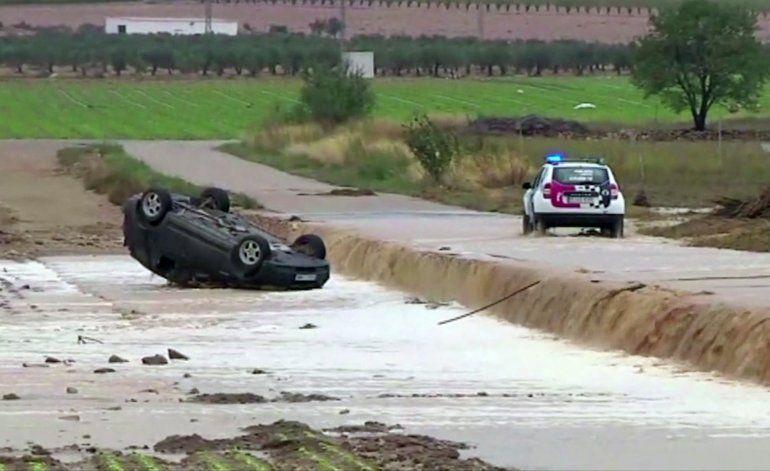 Lluvias torrenciales en España causan una tercera muerte