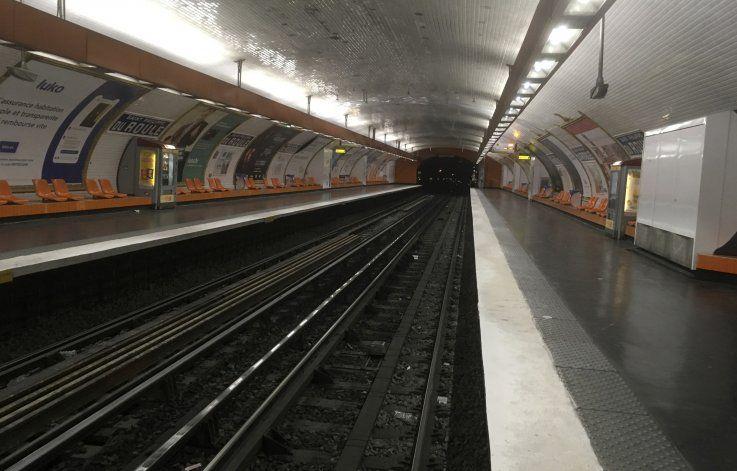 Huelga de transporte paraliza París por reforma de pensiones