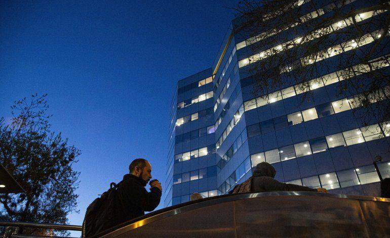 Oposición busca reducir la jornada laboral en Chile