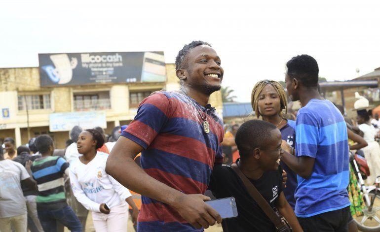 Congo: Joven pasa examen que tomó estando enfermo de ébola