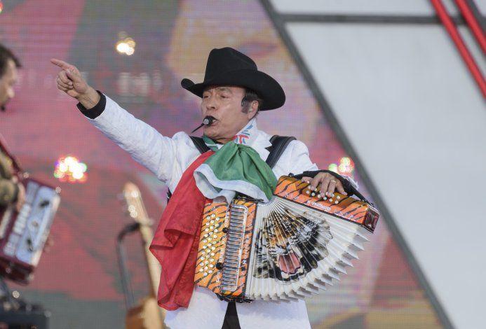 Los Tigres honran a Johnny Cash, y presos latinos, en Folsom