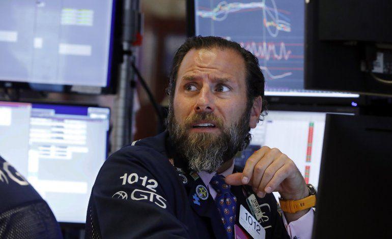 Acciones cierran mayormente en baja en Wall Street