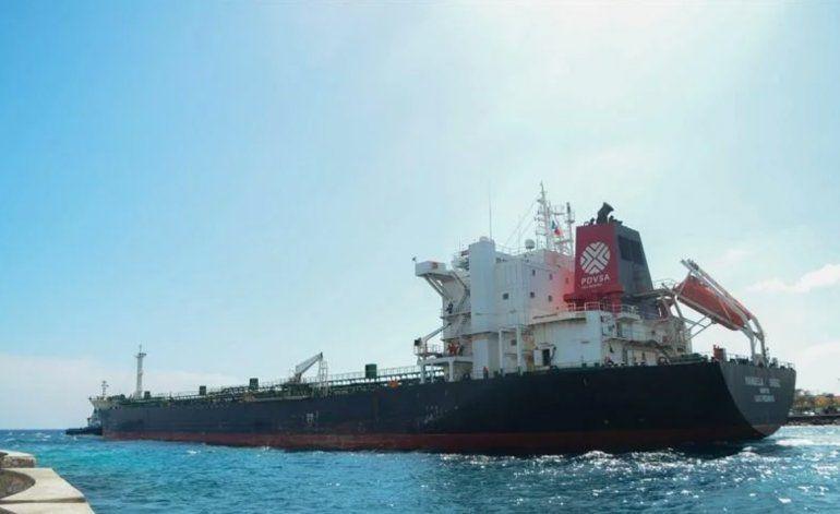 Arriba a Cuba el tanquero que esperaba el régimen para solventar crisis energética