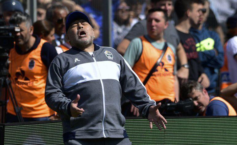 El Gimnasia de Maradona cae en el debut