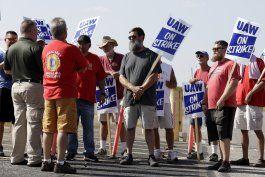 gm y sindicato prosiguen negociaciones para acabar huelga