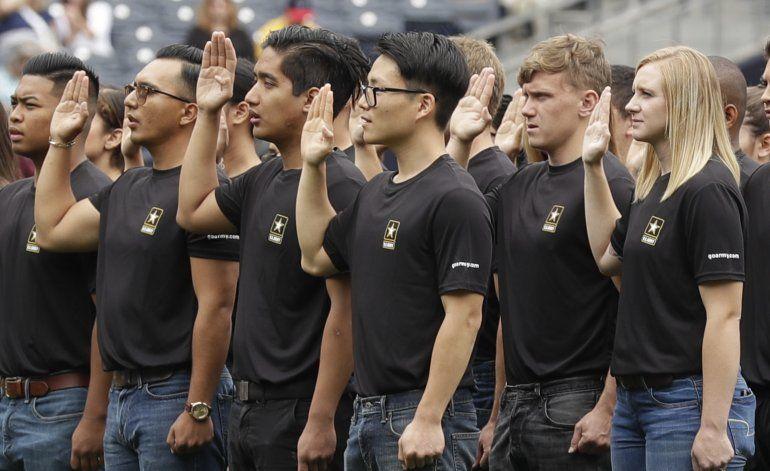 Primicia AP: Ejército de EEUU intensifica reclutamiento
